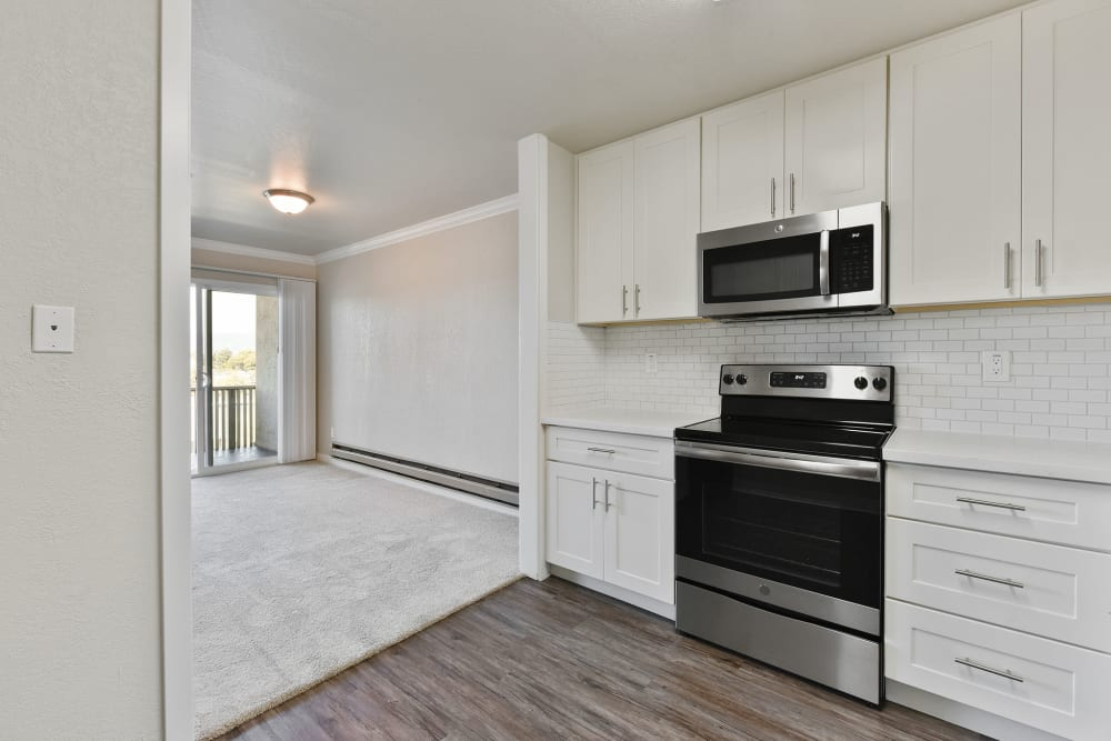 Tower Apartment Homes in Alameda, California offers a kitchen