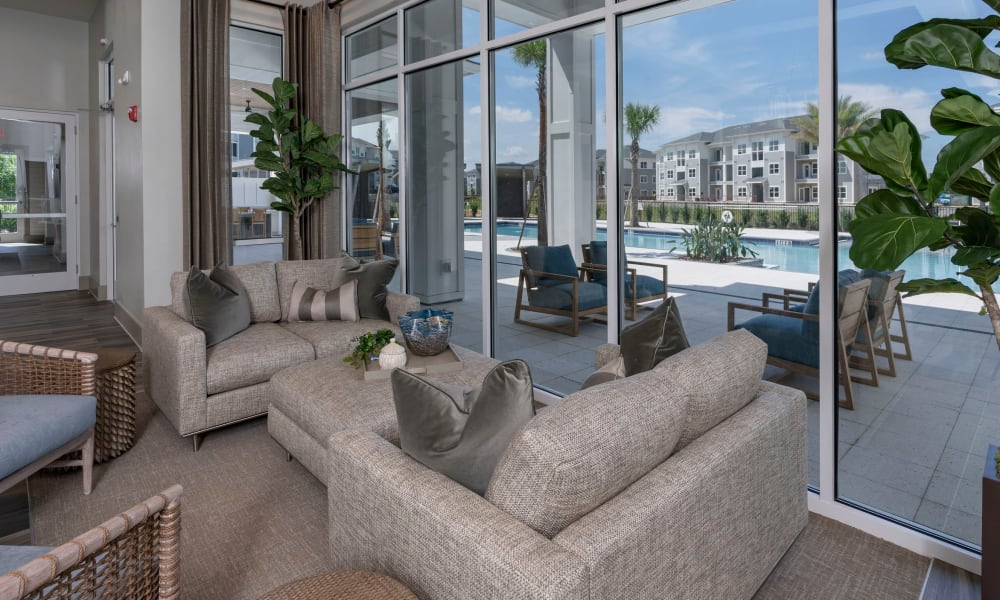 Common area where residents can relax in at Reunion at 400 in Kissimmee, Florida