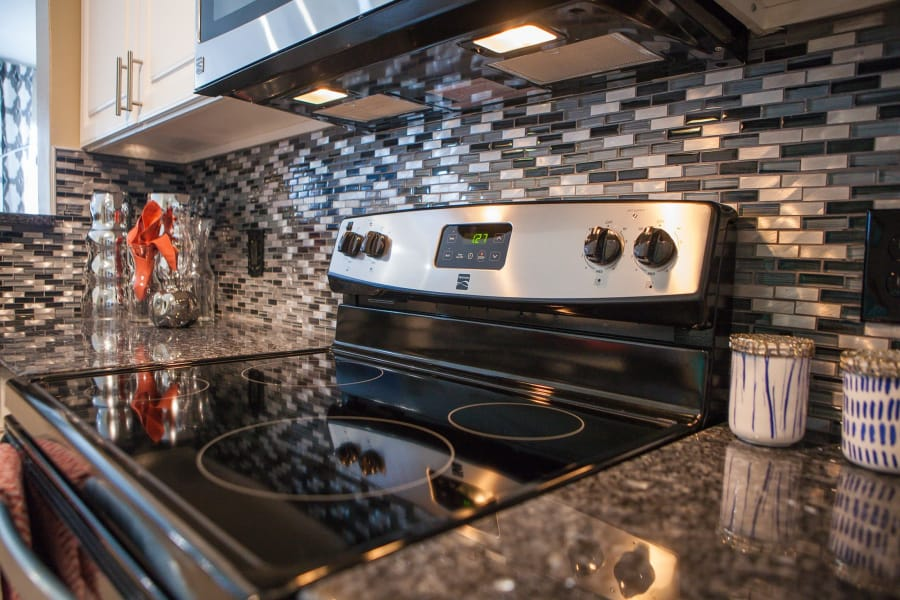 Enjoy apartments with a modern kitchen at Vista at Lost Lake in Clermont, FL