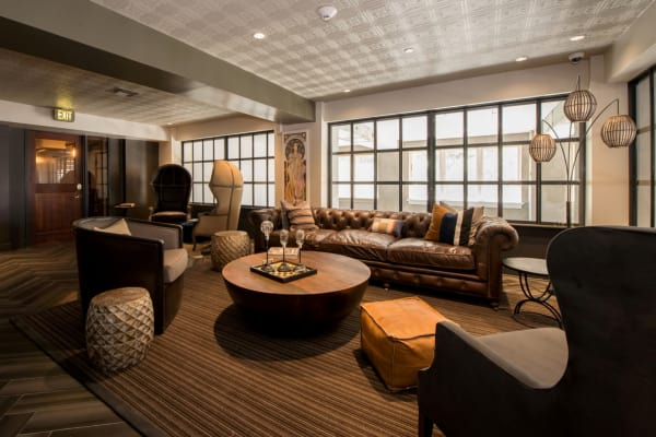 Clubhouse sitting area at Maverick Apartments in San Antonio, Texas