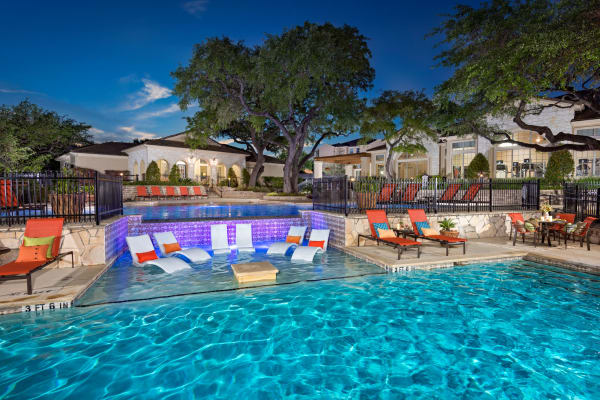 Luxury swimming pool at Villas of Vista Del Norte in San Antonio, Texas
