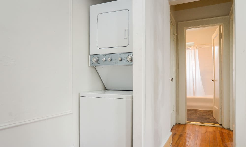 Apartments with Walk-in Closets in Montclair, New Jersey