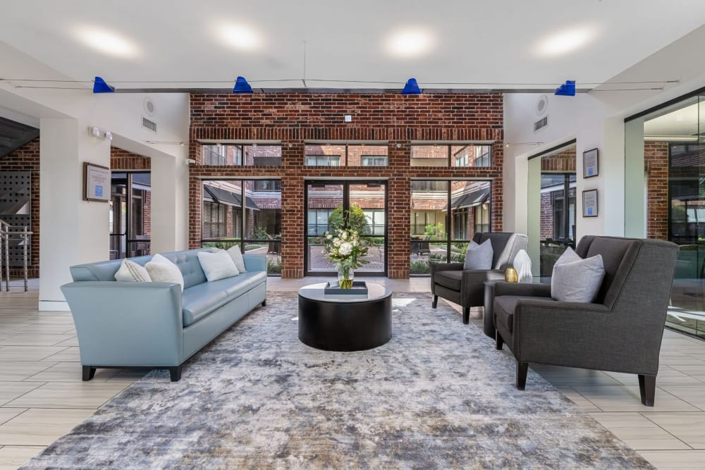 Community lounge at Marquis Lofts on Sabine in Houston, Texas