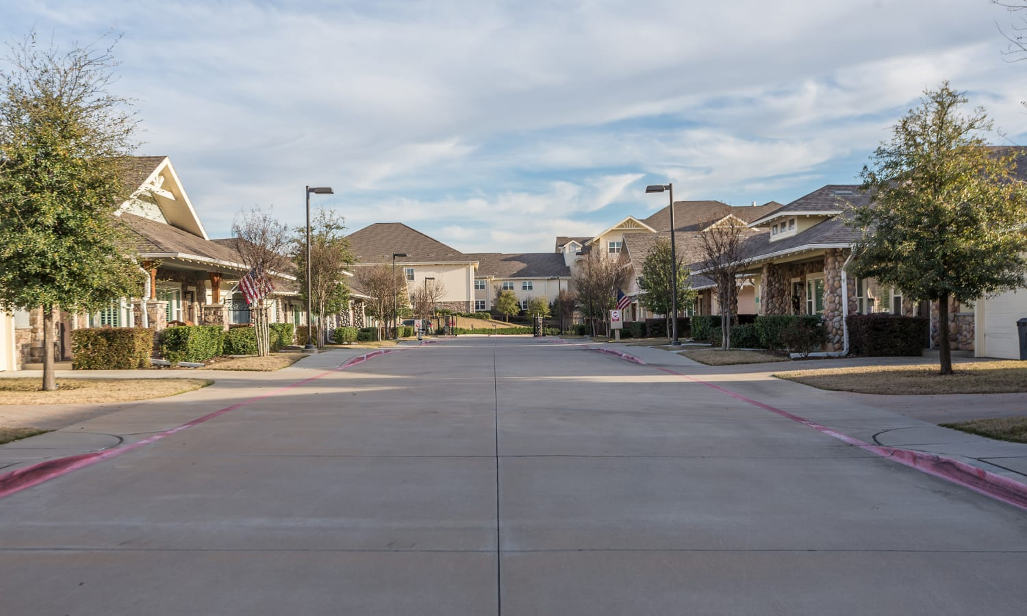 wide driveway at MacArthur Hills in Irving, Texas
