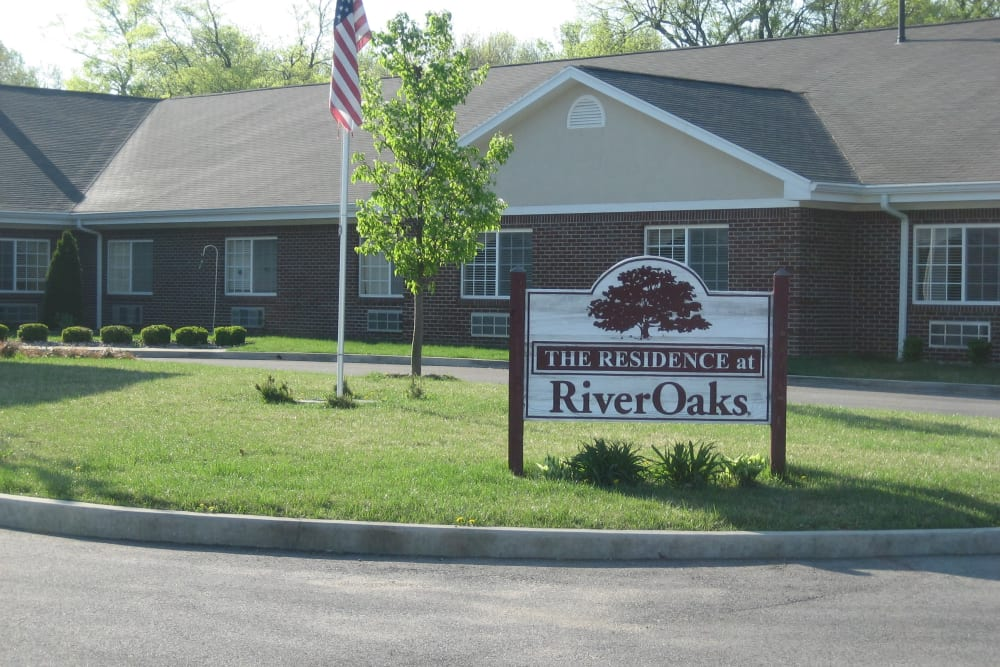 Front entrance at RiverOaks Health Campus in Princeton, Indiana