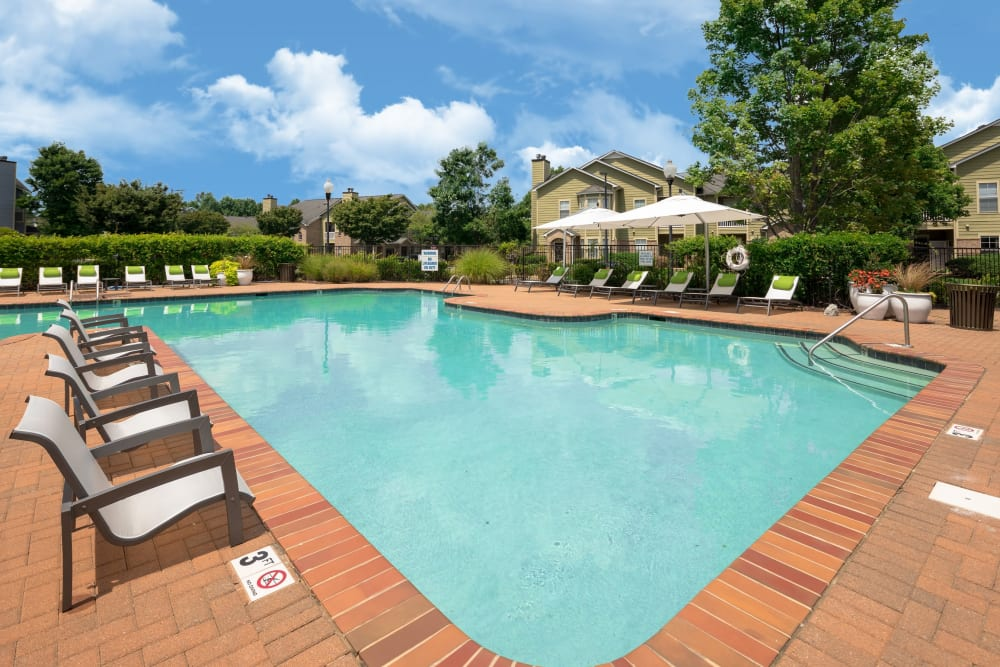 Resort-style swimming pool at Highlands at Alexander Pointe in Charlotte, North Carolina