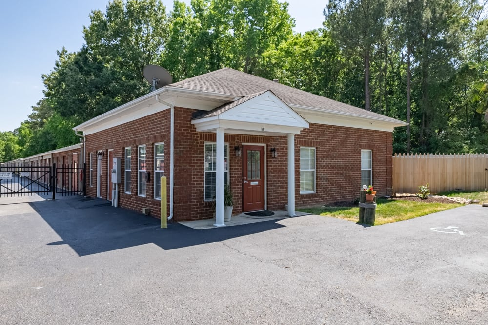 The front office at Victory Personal Storage in Yorktown, Virginia