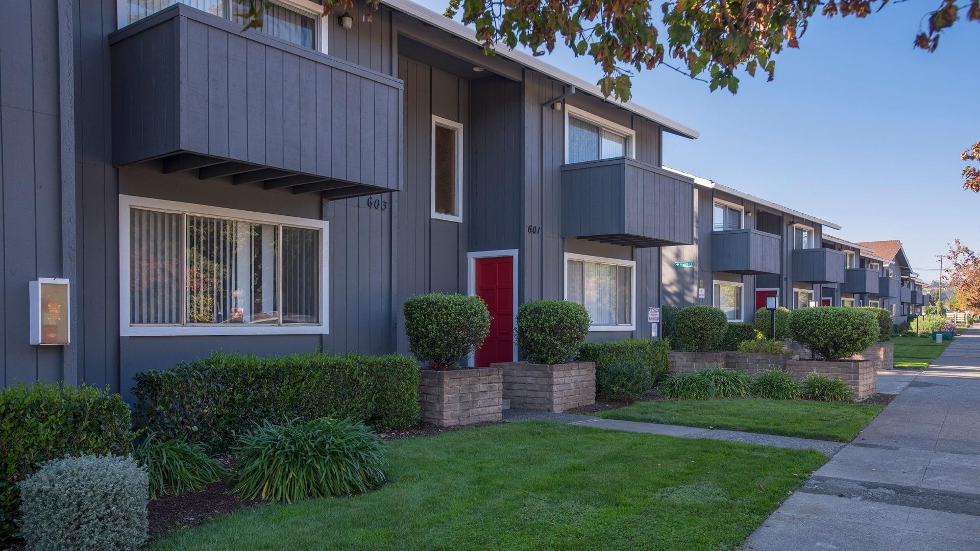 Sidewalk near Spring Lake Apartment Homes in Santa Rosa, California