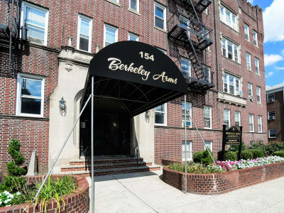 Apartments at Berkeley Arms Apartment Homes in Rutherford, New Jersey