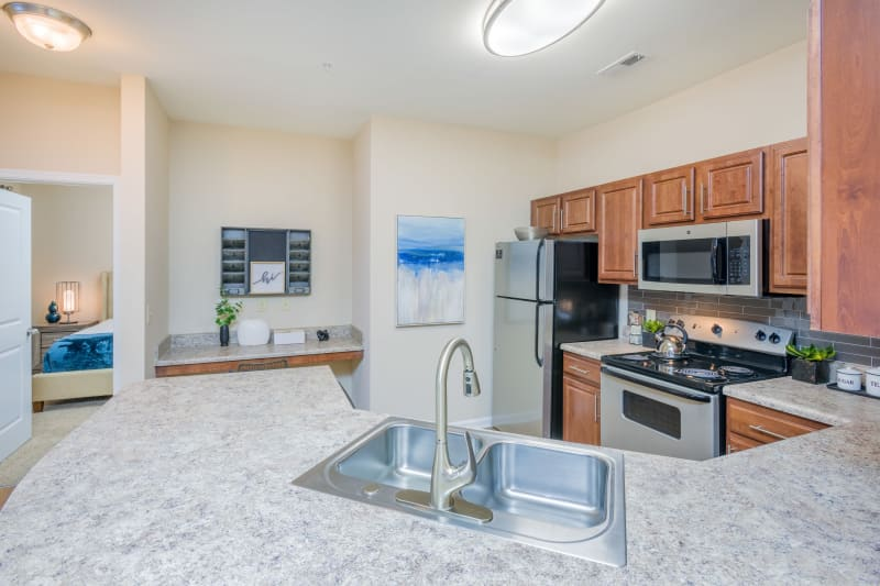 Arbor Village offers a large U-shaped kitchen in Summerville, South Carolina