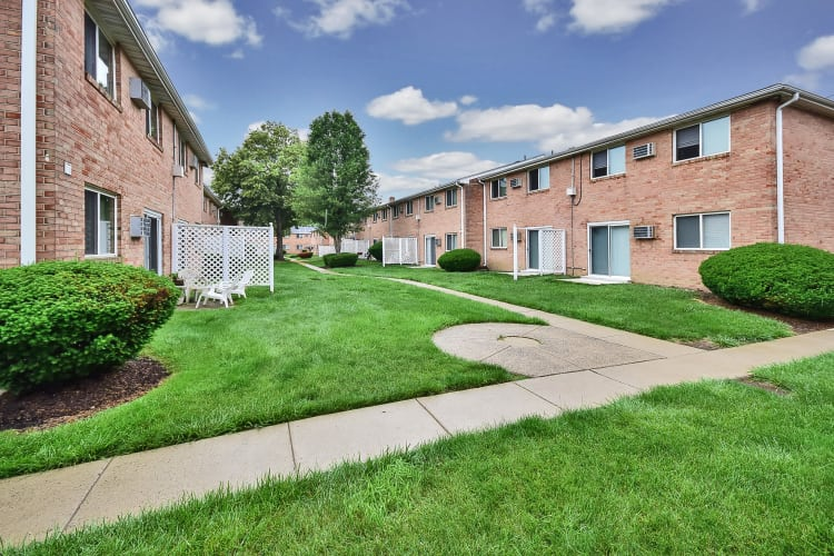 Apartments at Warwick Terrace Apartment Homes in Somerdale, New Jersey