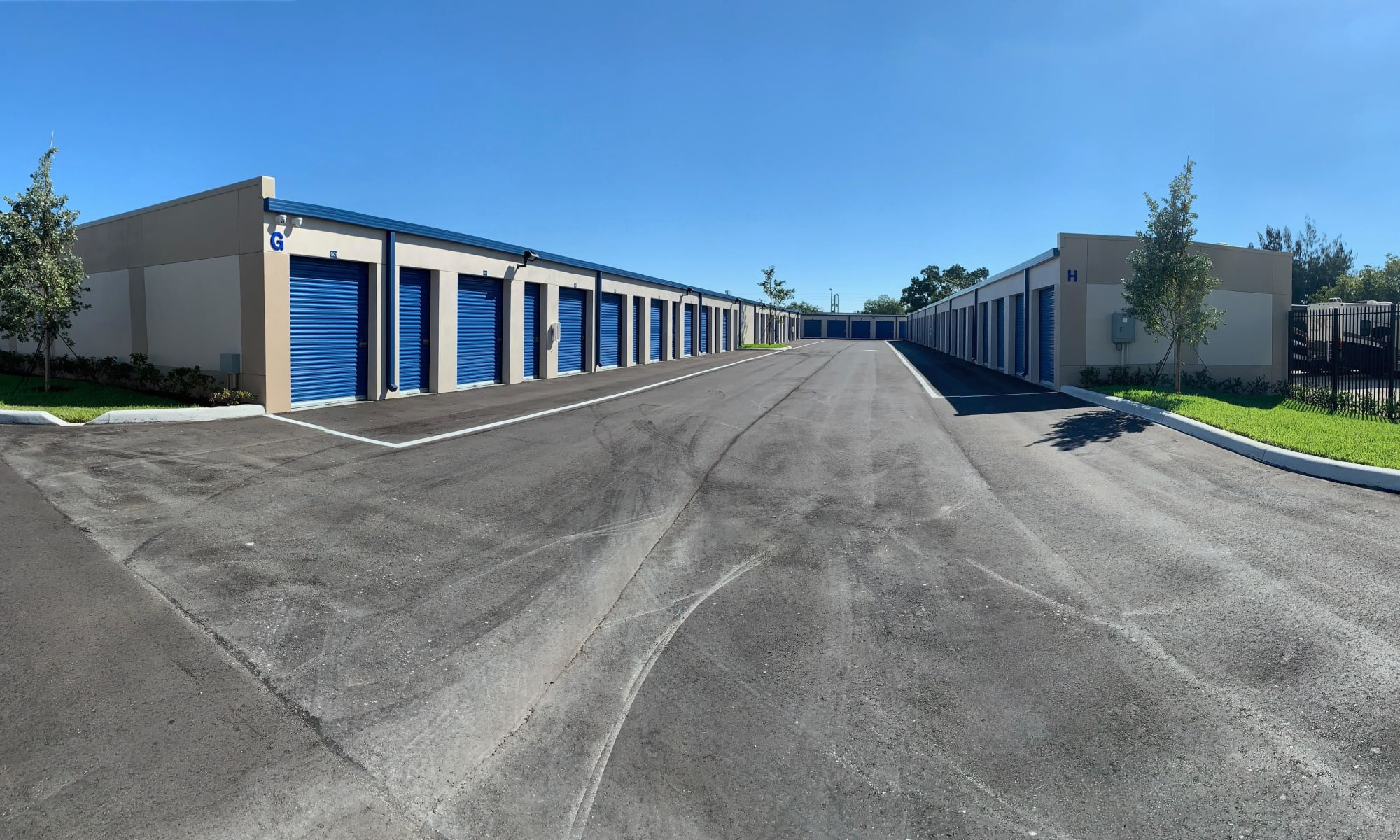 Drive up units at Pompano Beach, Florida near Top Self Storage