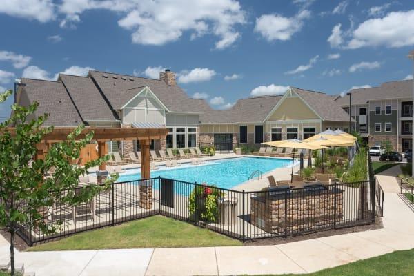 Exterior view of pool at Encore 281 in San Antonio, Texas