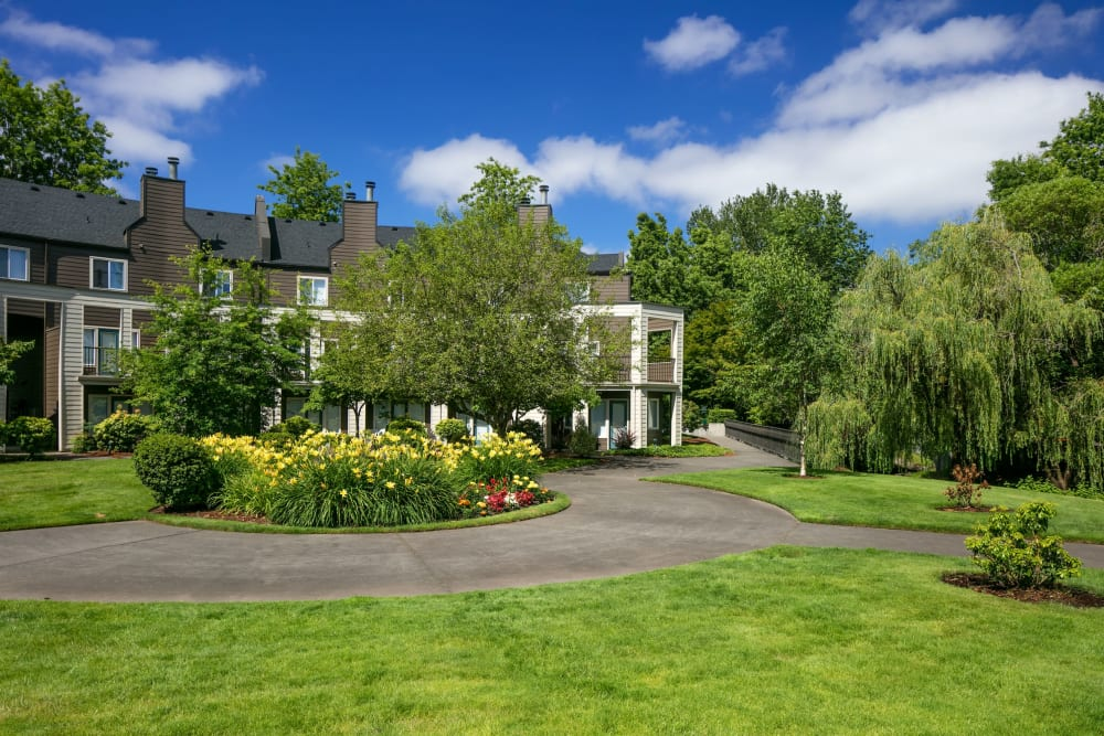 Extremely lush landscaping at Waterhouse Place in Beaverton, Oregon
