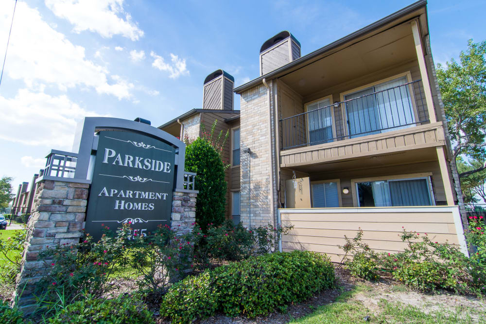 Front sign at Parkside Apartments