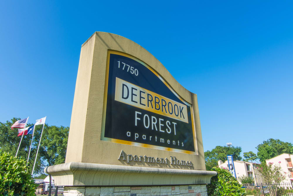 Deerbrook Forest Apartments monument sign