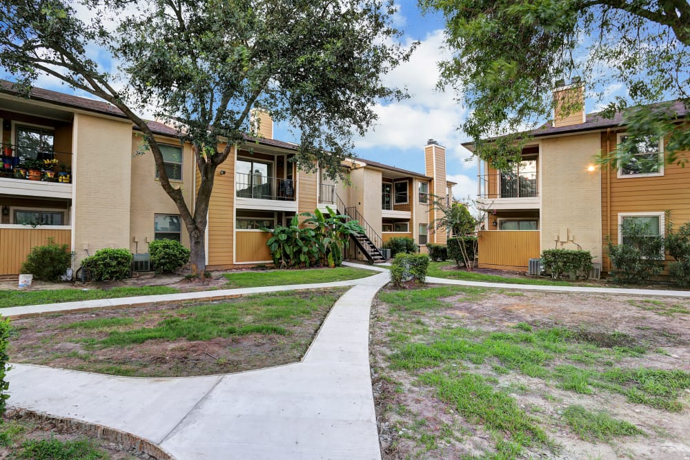 Cedar Ridge Apartments offers unique walking paths in Baytown, Texas