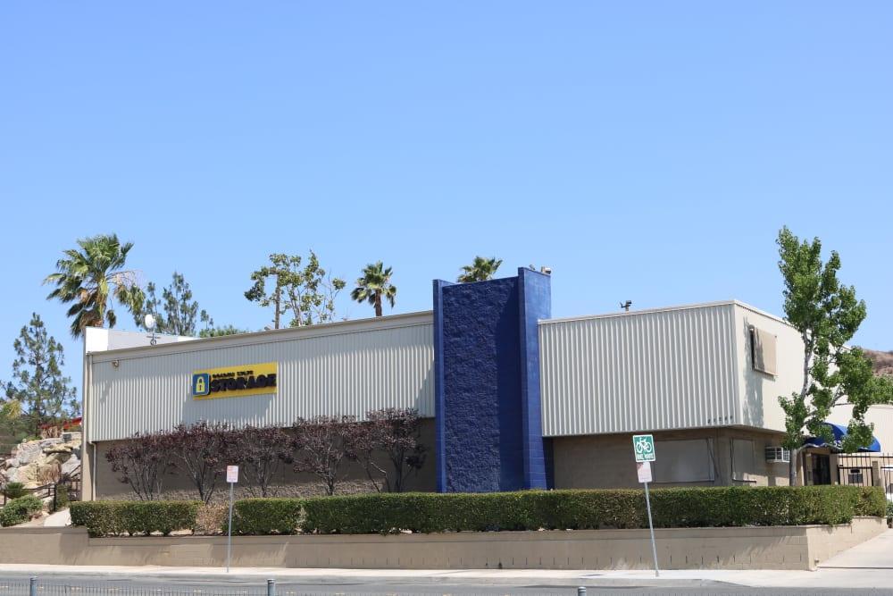 Roadside view of Golden State Storage - Golden Triangle in Santa Clarita, California
