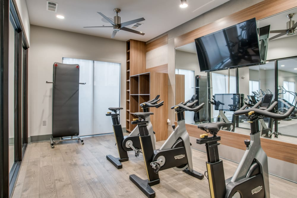 Alta Trinity Green offers a gym in Dallas, Texas