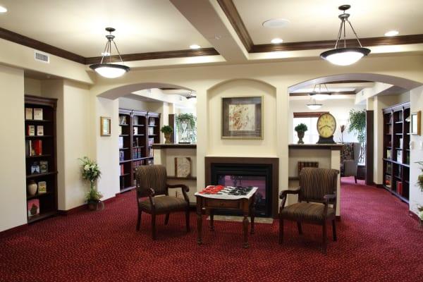 Community library at Cottonwood Estates Gracious Retirement Living in Alpharetta, Georgia