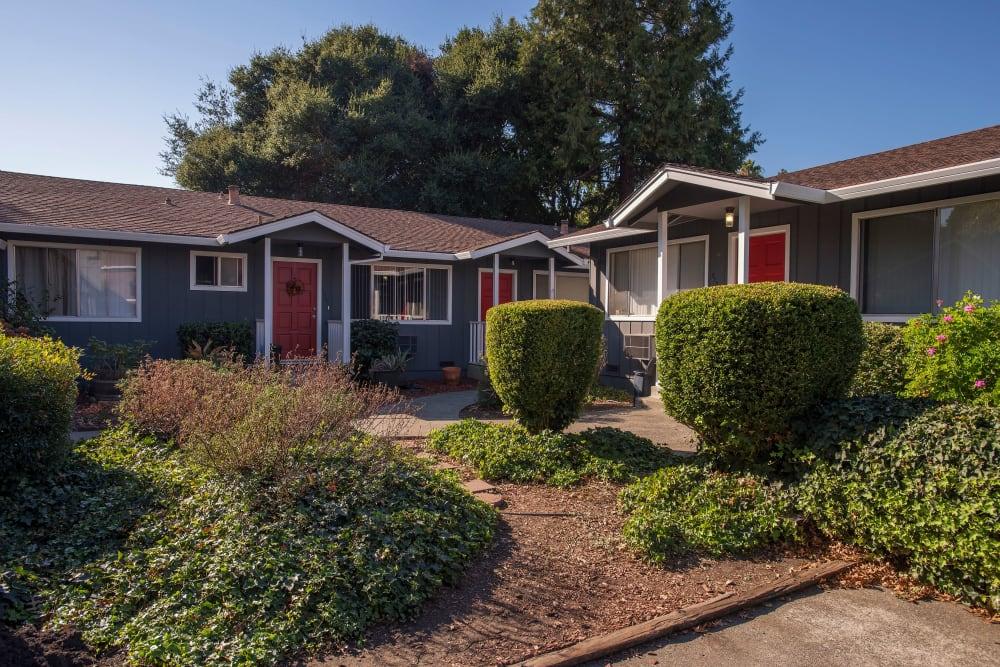 Beautiful landscaped lawns at Spring Lake Apartment Homes in Santa Rosa, California