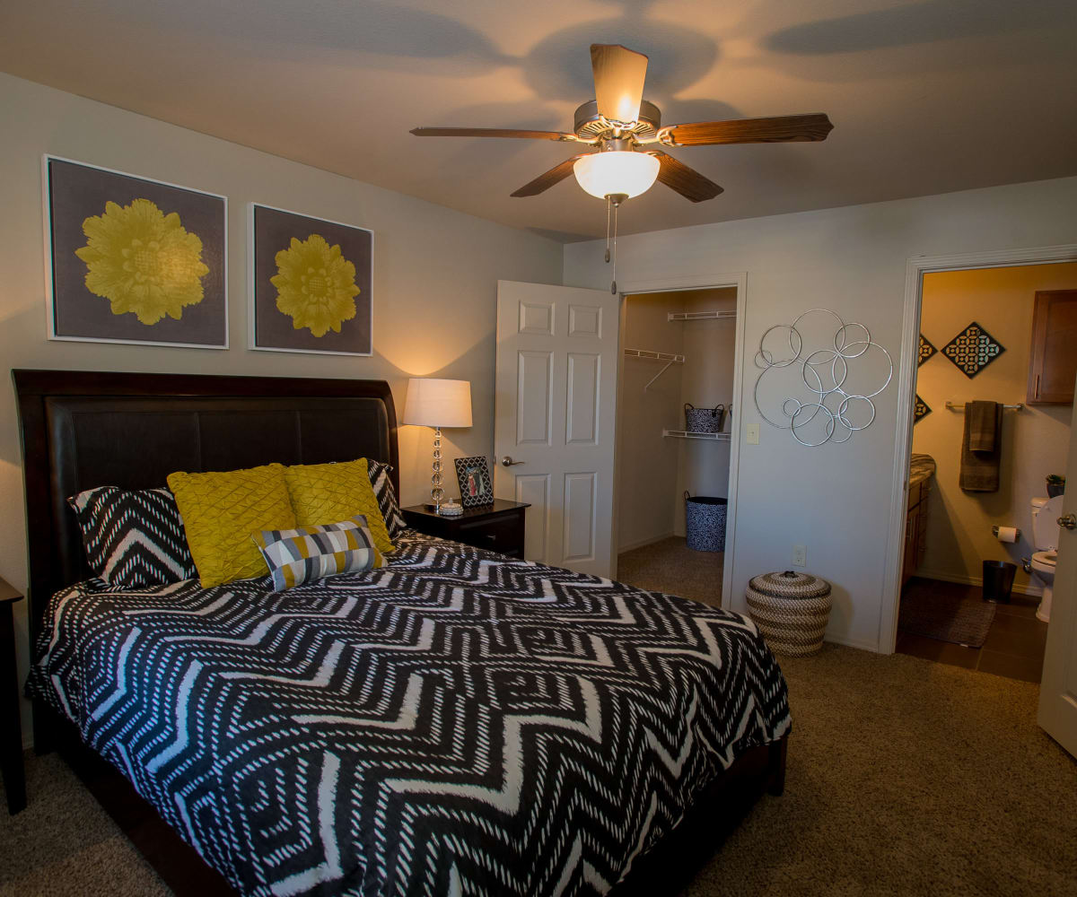Villas at Canyon Ranch master bedroom in Yukon, Oklahoma