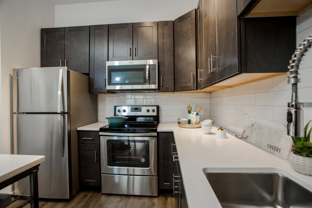 The Mark Parsippany offers a Kitchen in Parsippany, New Jersey