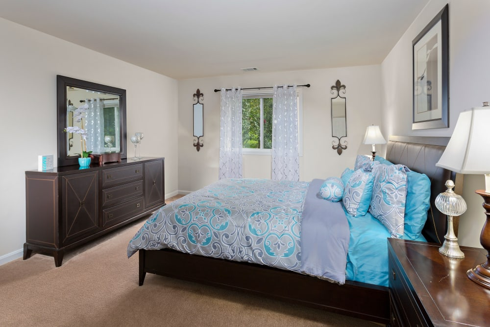The Verona at Oakland Mills bedroom