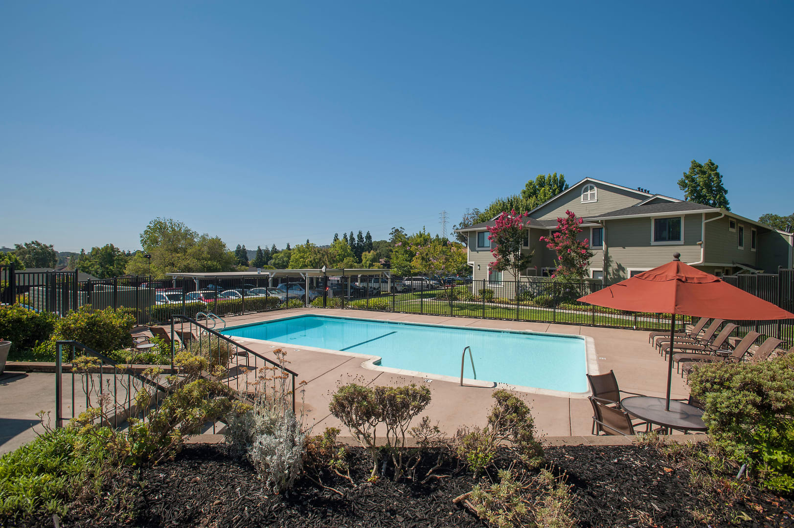 View photos of our luxurious property at Ridgecrest Apartment Homes in Martinez, CA