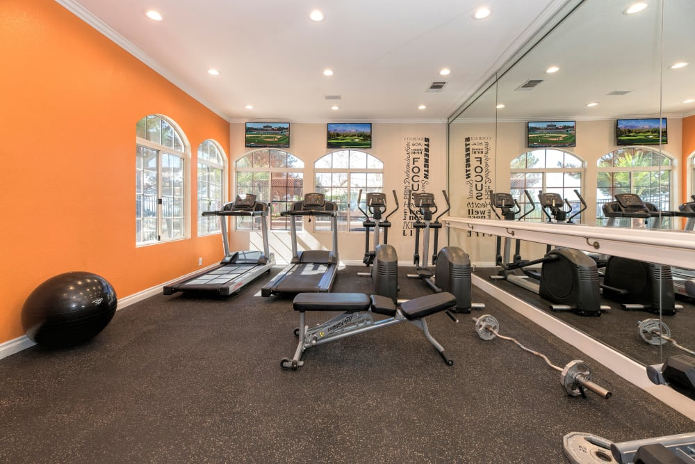 Onsite fitness center at Paloma Summit Condominium Rentals in Foothill Ranch, California
