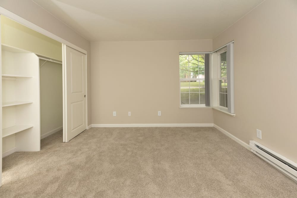Bedroom at Slate Ridge at Fisher's Landing Apartment Homes in Vancouver, Washington