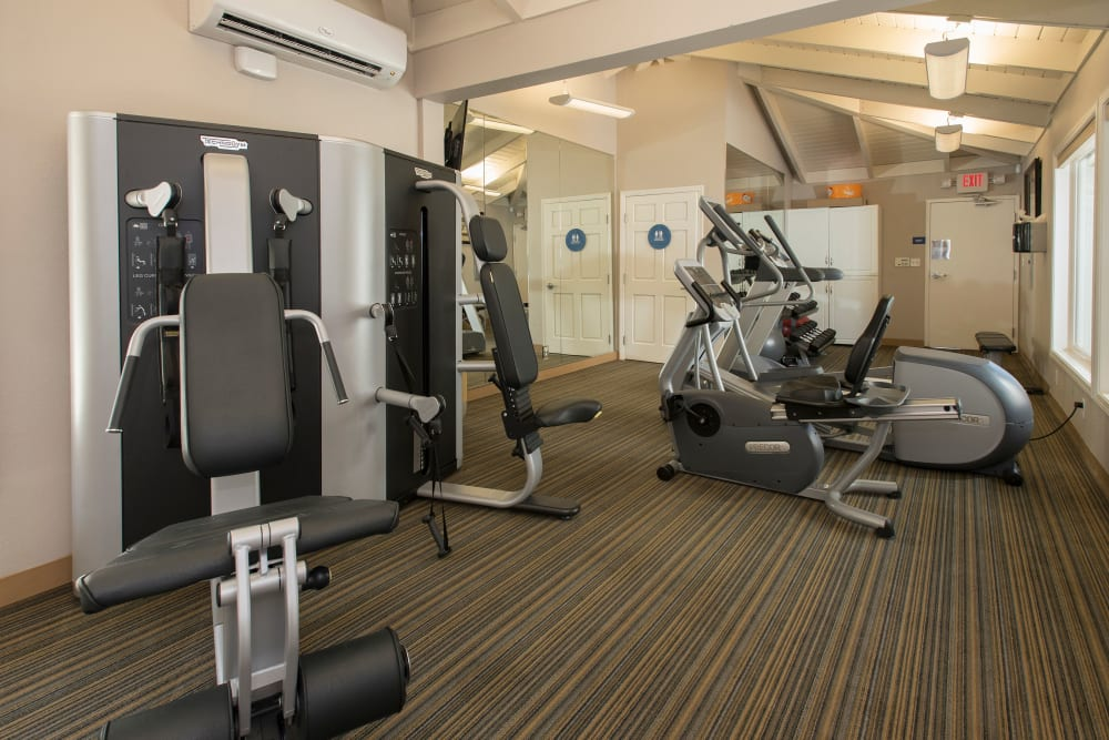 Onsite fitness center at Villa Palms Apartment Homes in Livermore, California