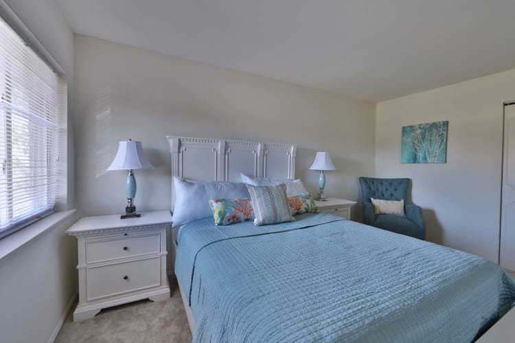 The Willows Apartment Homes showcase a beautiful master bedroom in Glen Burnie, Maryland