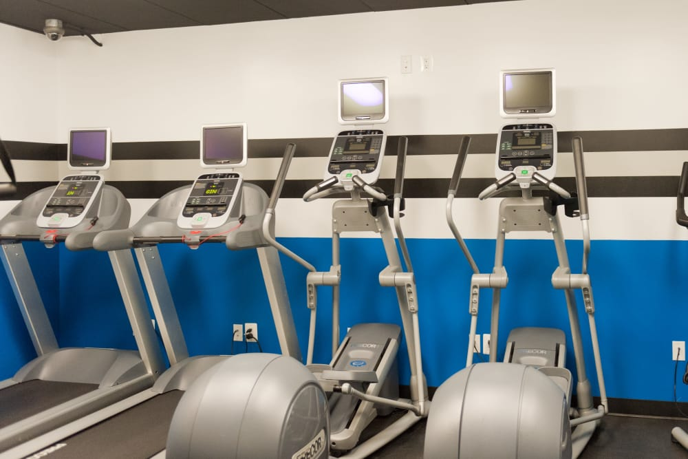 Fully Equipped Fitness center at Bennington Crossings Apartment Homes in Alexandria, Virginia