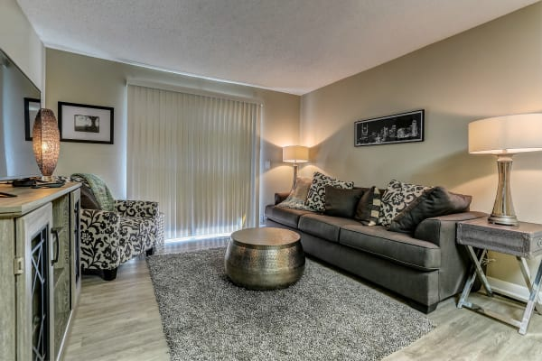 Living room at Sheffield Heights Apartment Homes in Nashville, Tennessee