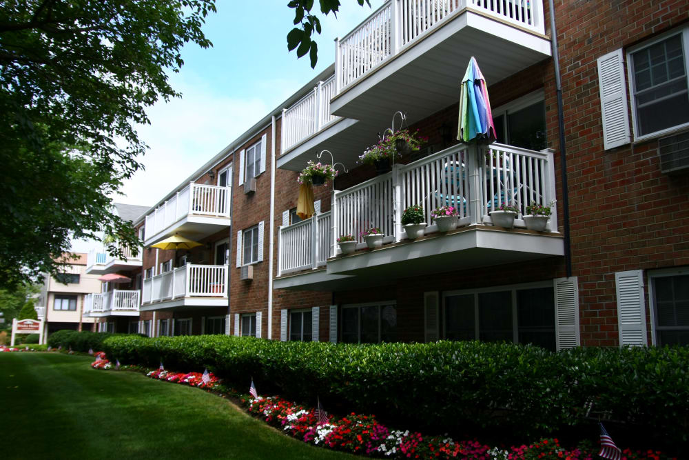 Brinley Manor offers a private balcony in Bradley Beach, New Jersey