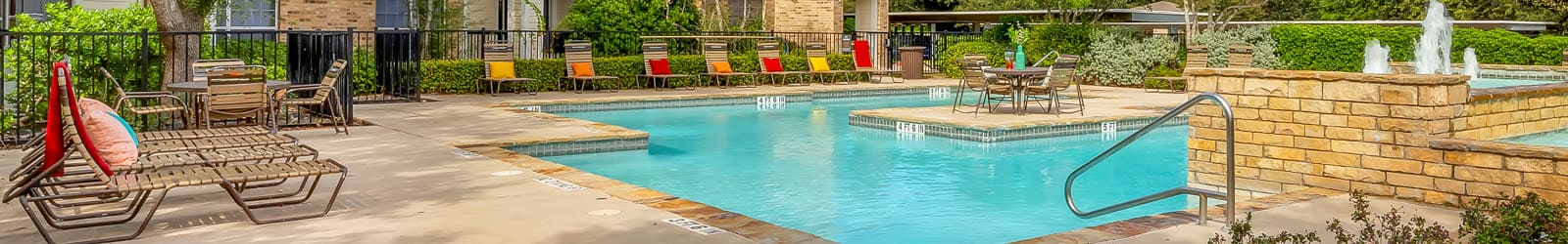 Reviews at Stoneybrook Apartments & Townhomes in San Antonio, Texas