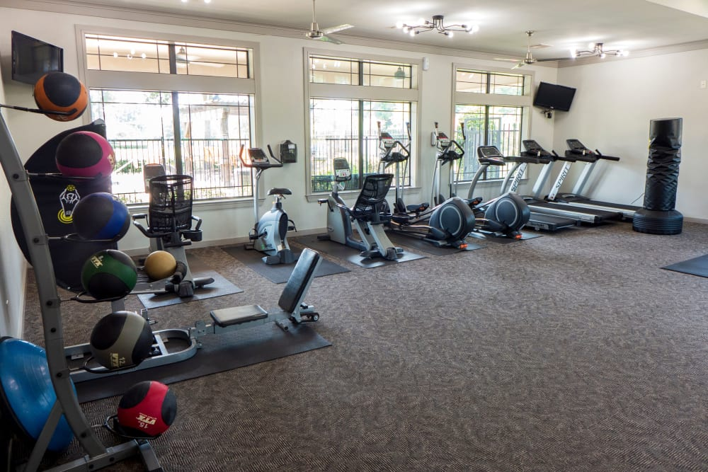 Spacious fitness center at Stoneleigh on Kenswick Apartments in Humble, Texas