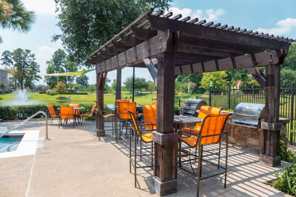 Enjoy a unique bbq area at Stoneleigh on Kenswick Apartments