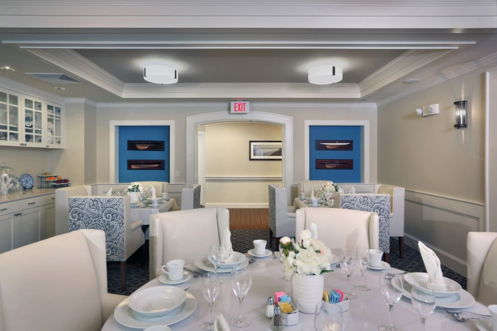 Dining room at Maplewood at Darien in Darien, Connecticut