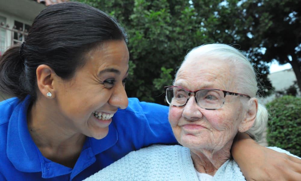 Senior care at Regency Park Oak Knoll in Pasadena, California