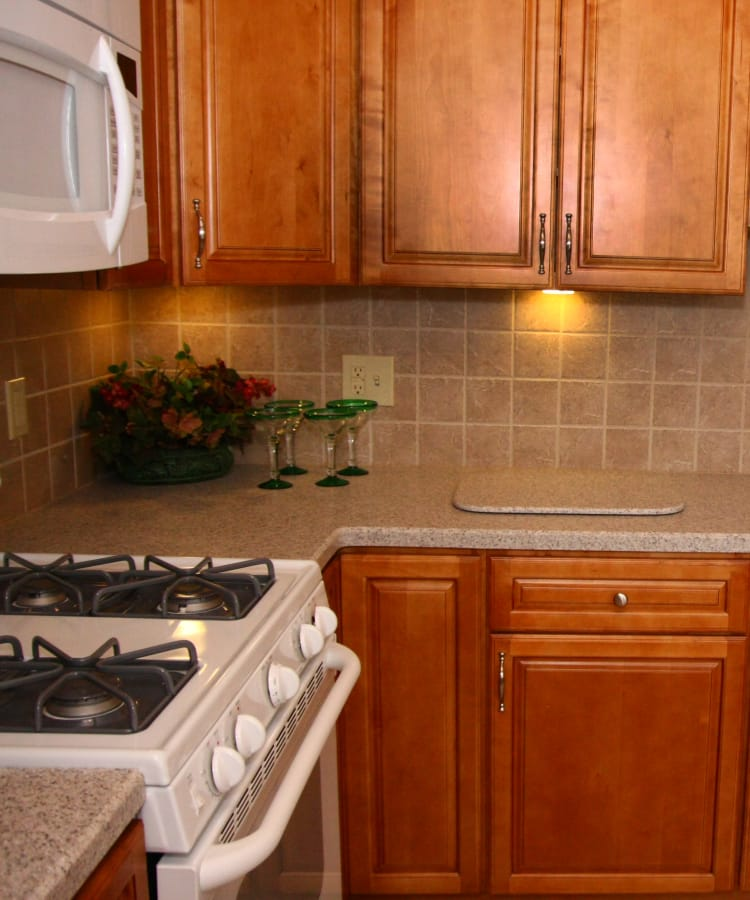 Kitchen and microwave oven at Cedar Village