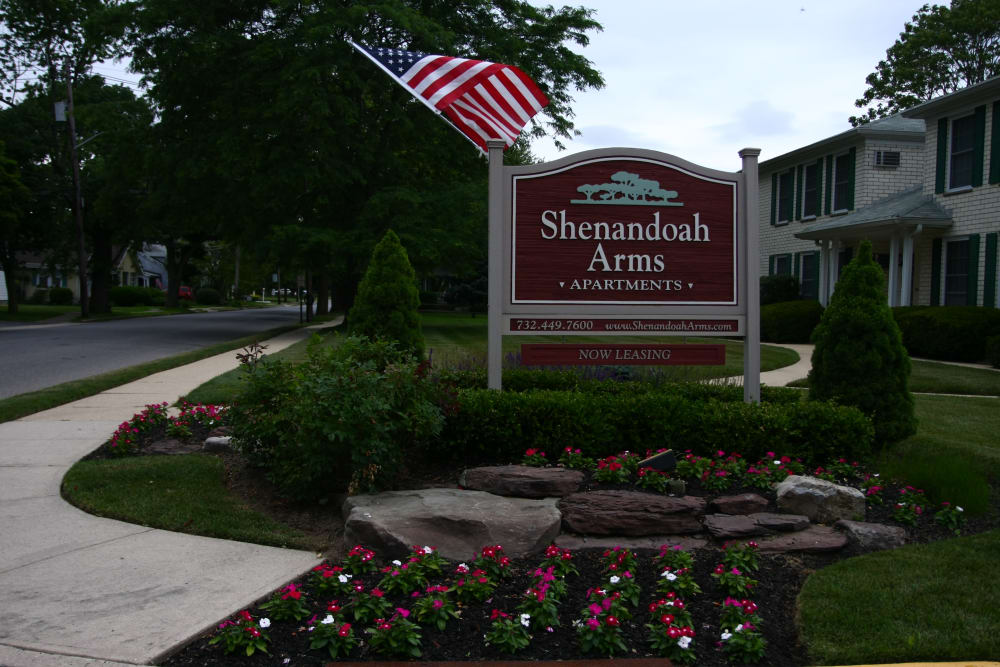 Our sign welcoming residents and their guests to Shenandoah Arms in Spring Lake, NJ