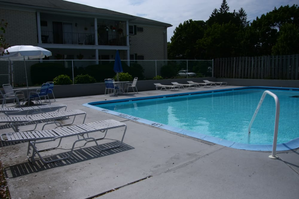 Another view of swimming pool at Shenandoah Arms in Spring Lake, NJ