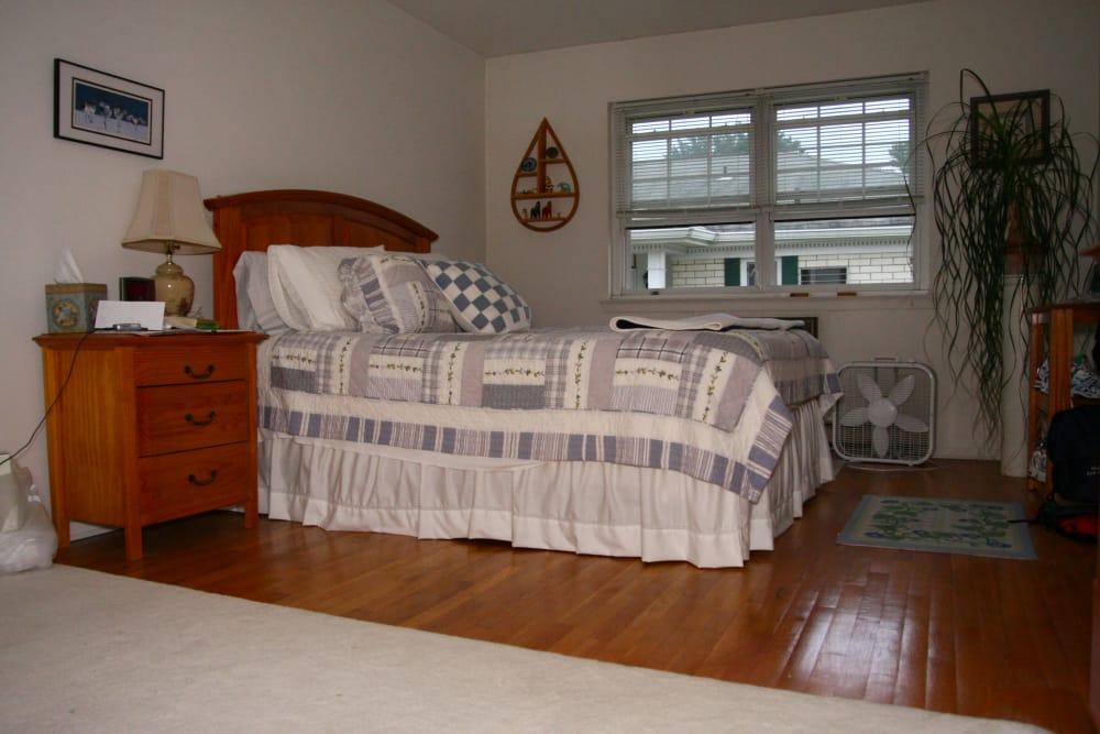 Master bedroom at Shenandoah Arms