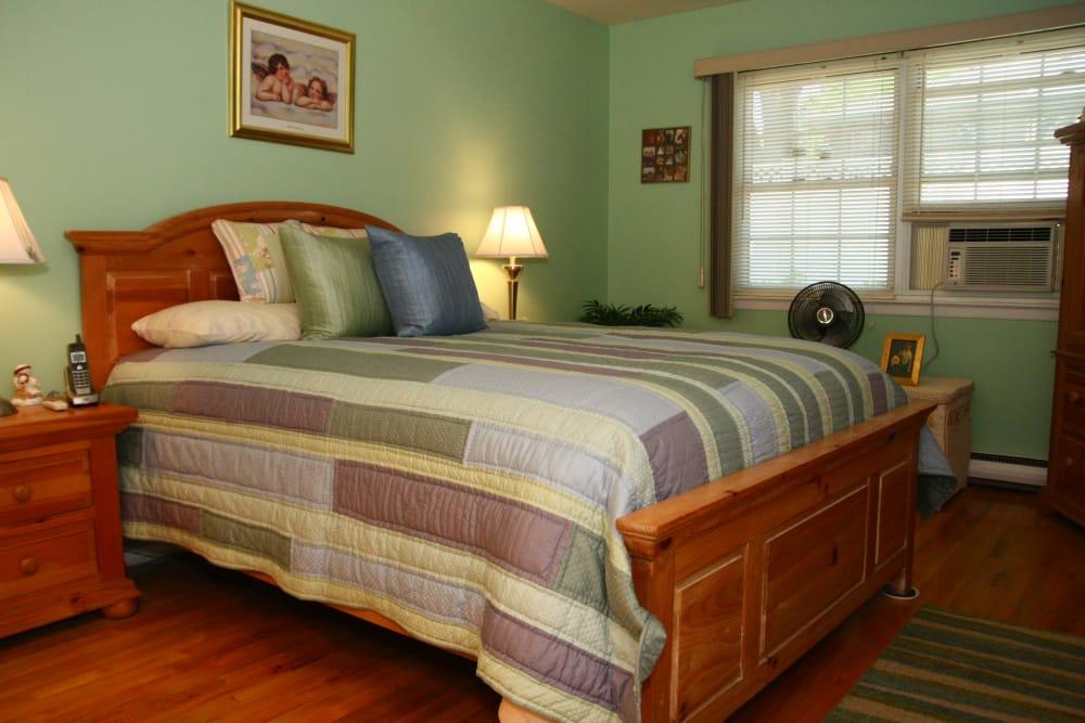 Cozy bedroom at Cloverdale Associates