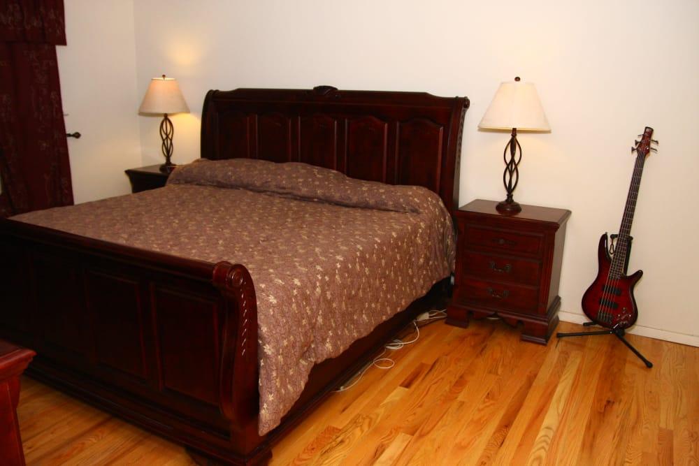 Spacious bedroom at Cloverdale Associates