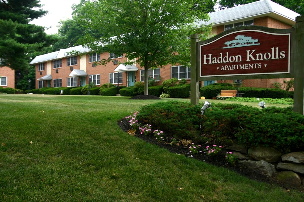 Our sign welcoming residents and their guests to Haddon Knolls Apartments in Haddon Heights, NJ