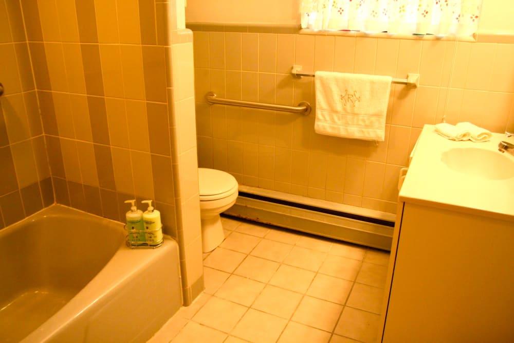 Beautiful bathroom with tub at Haddon Knolls Apartments