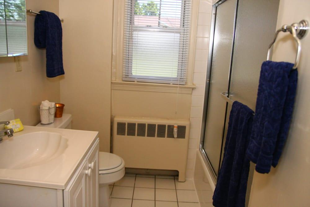 Beautiful bathroom at Lalor Gardens